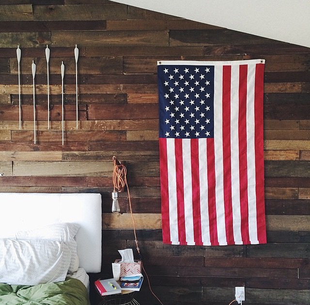 Love this pallet wall