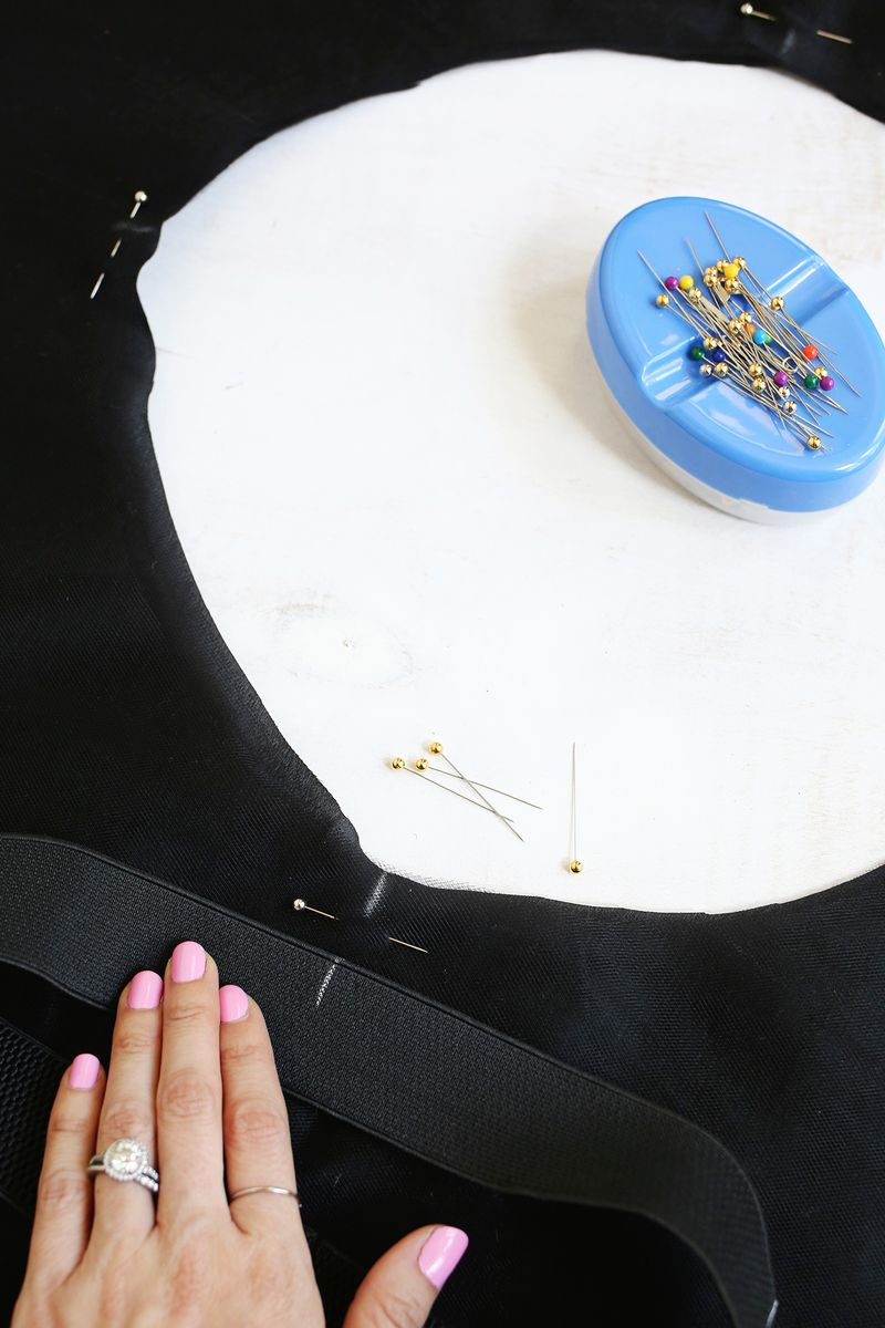 Tulle circle skirt DIY (click through for tutorial)