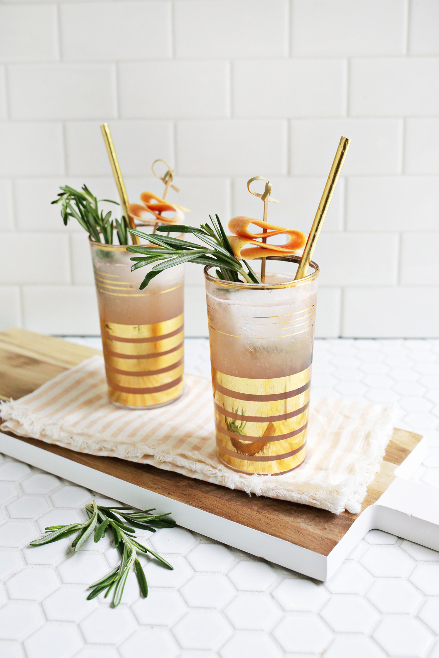 Rosemary Grapefruit Sparkler (click through for recipe