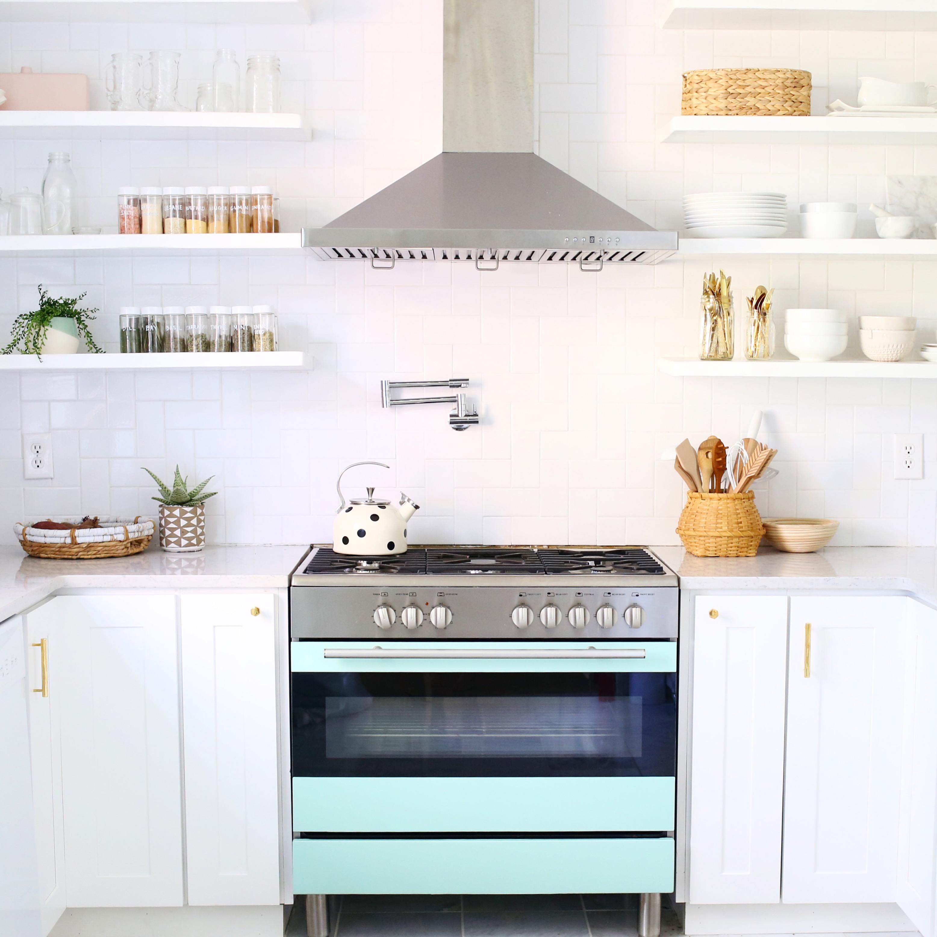 A Beautiful Mess : Elsie Larson kitchen