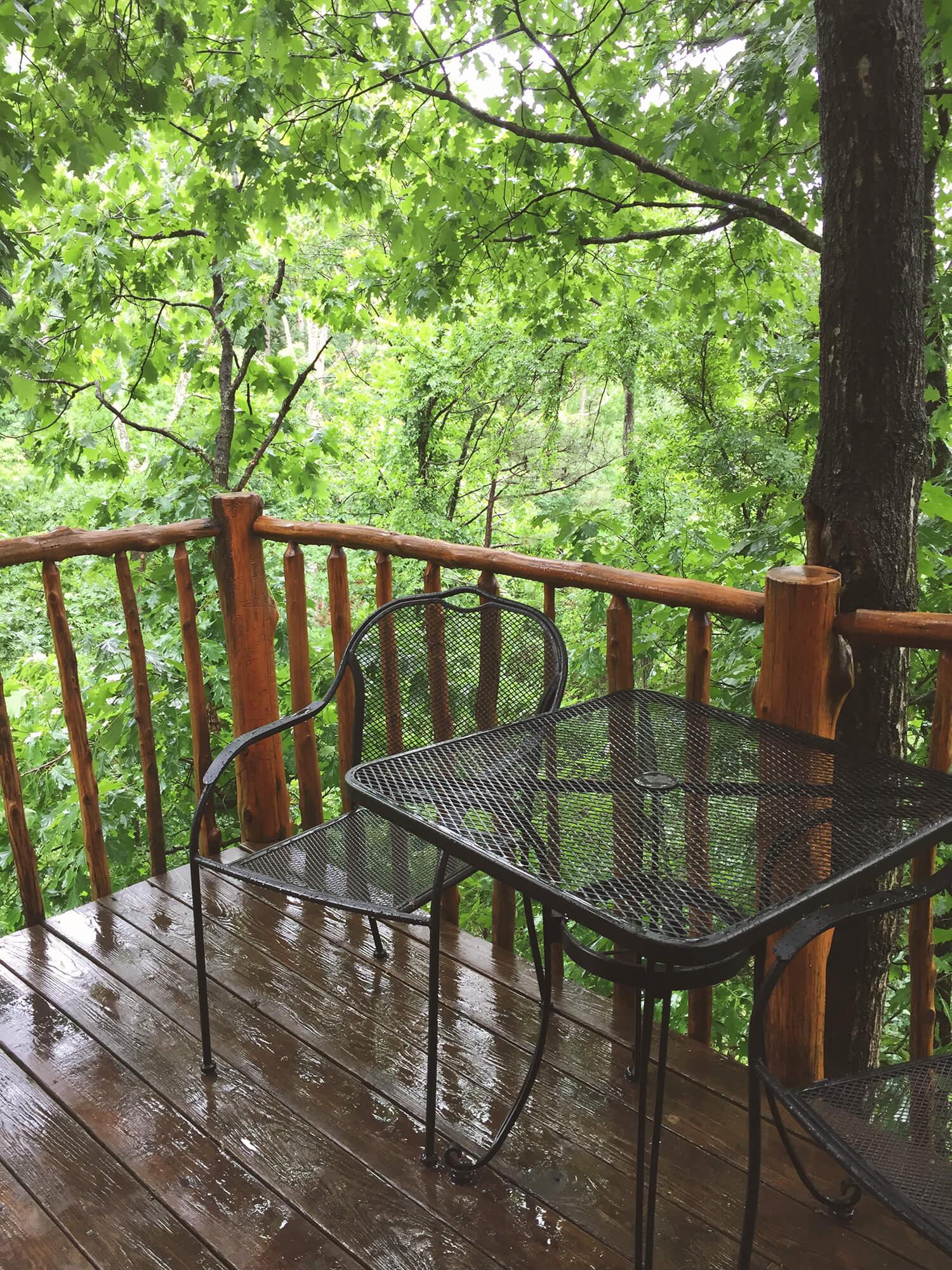 Treehouse back porch