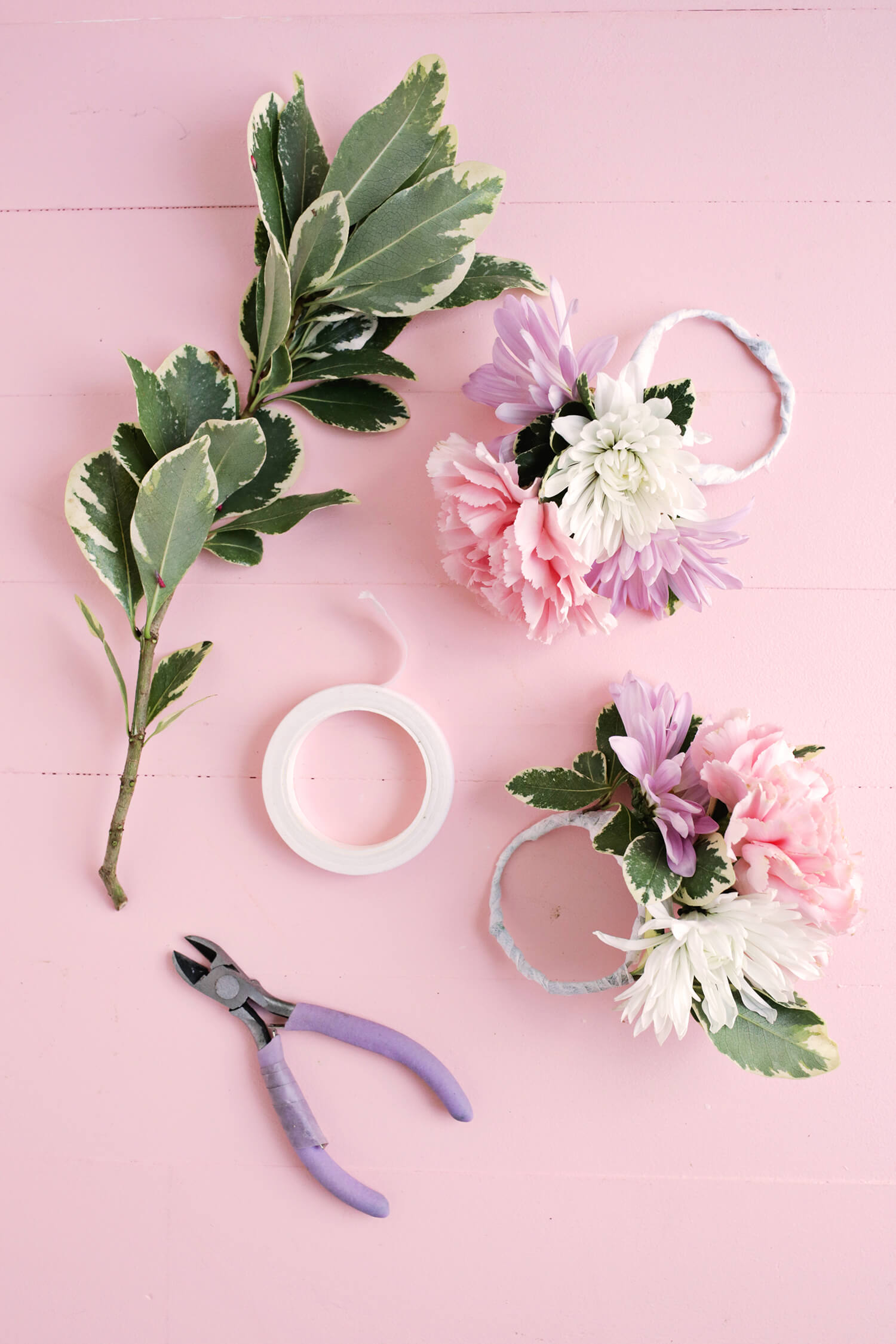 Flower napkin ring diy a beautiful mess diy flower napkin rings click through for tutorial mightylinksfo