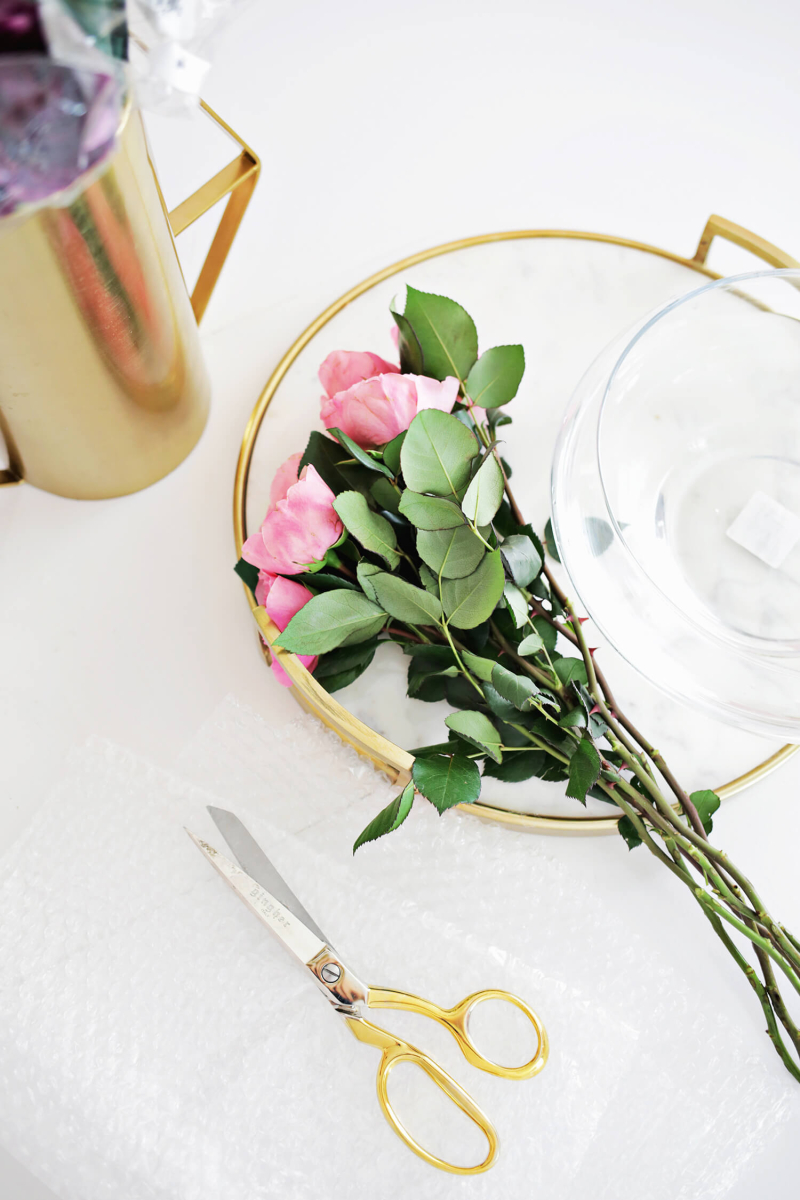 Easy Floating Floral Arrangement DIY (click through for tutorial)